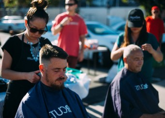 San Diego – Homeless Hair Cutting Event 9-21-2015 – Streets of Hope